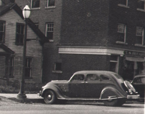 Vermont Auto Enthusiasts - Chrysler Airflow